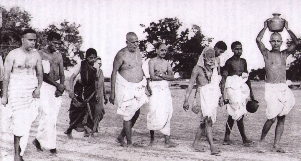 walkingPeriyava