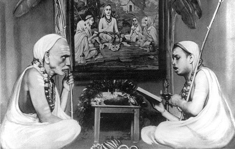 mahaperiyava-and-pudhu-periyava-reading